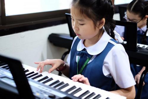 เรียนดนตรี (3) 1600x1067